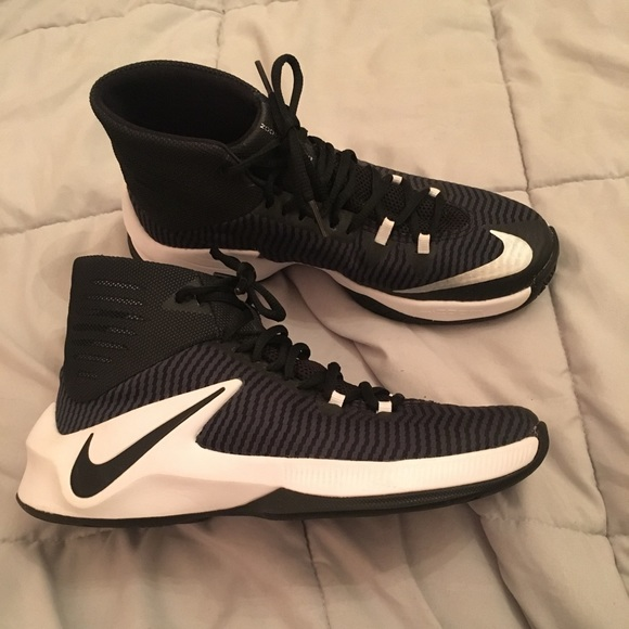 zoom basketball shoes